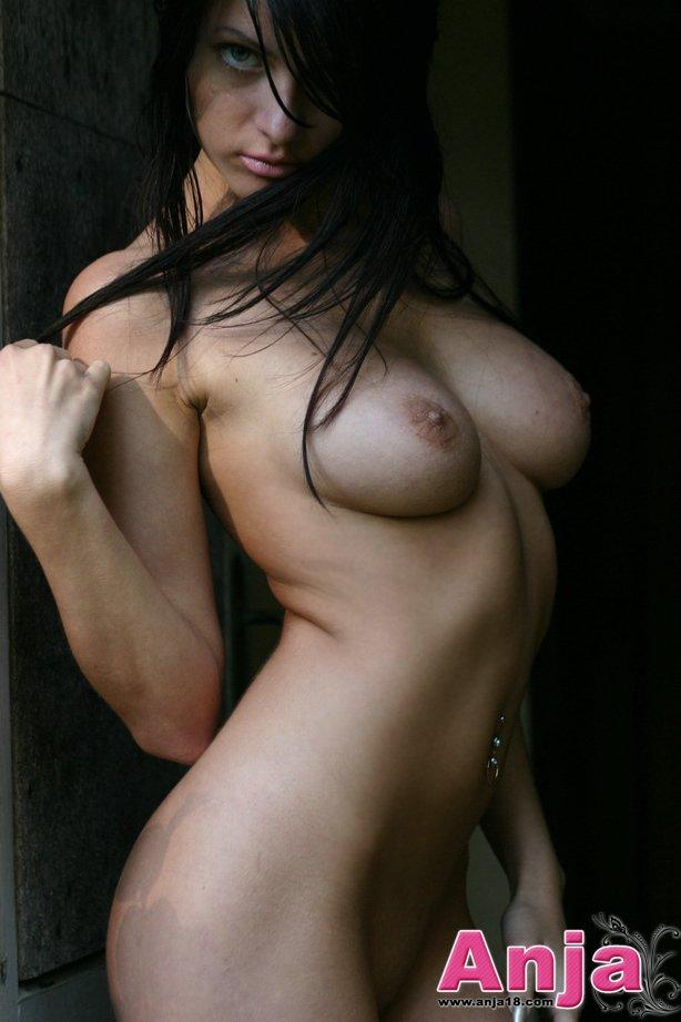 hot-dark-hair-nude