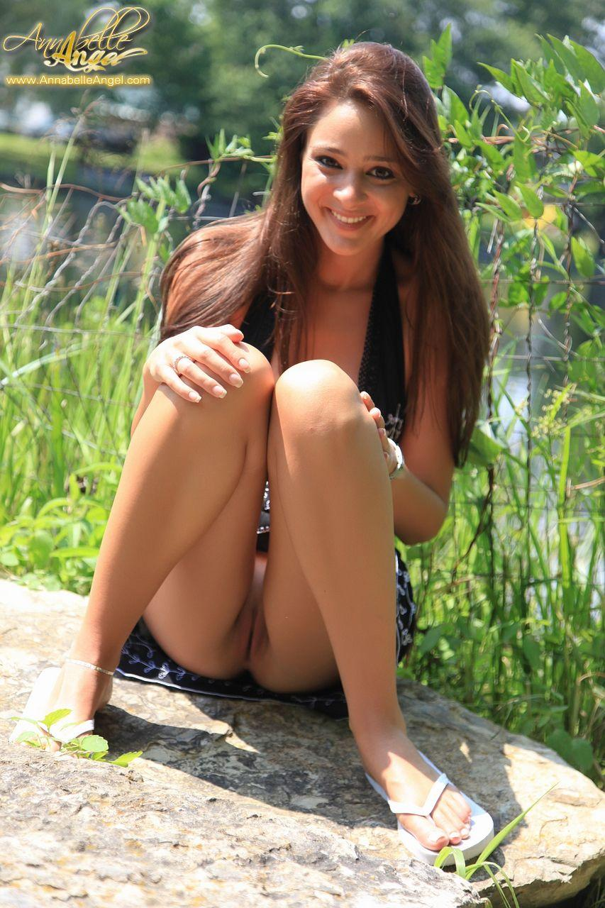 Pictures of teen cutie Annabelle Angel giving you a hot ...