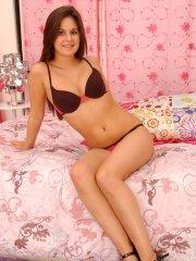 Pictures of teen hottie Kacey 18 being naughty in bed