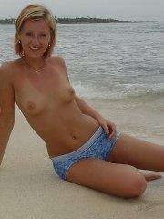 Pictures of Lindsey Marshal all nude on a beach