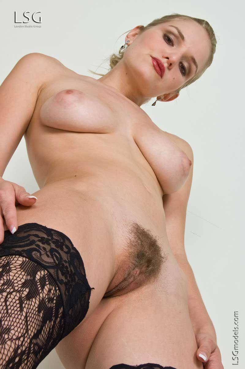 Young light brown pussy xxx-8045