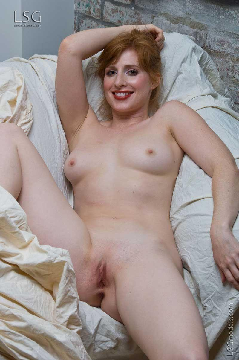 Nude foreign actress