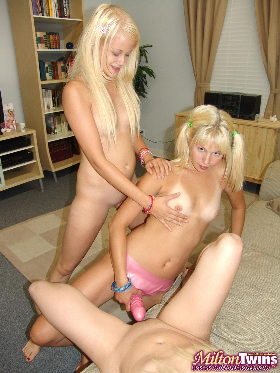 pictures Lesbian twins