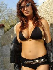 Pictures of Nayara Blue exposing her boobs outside
