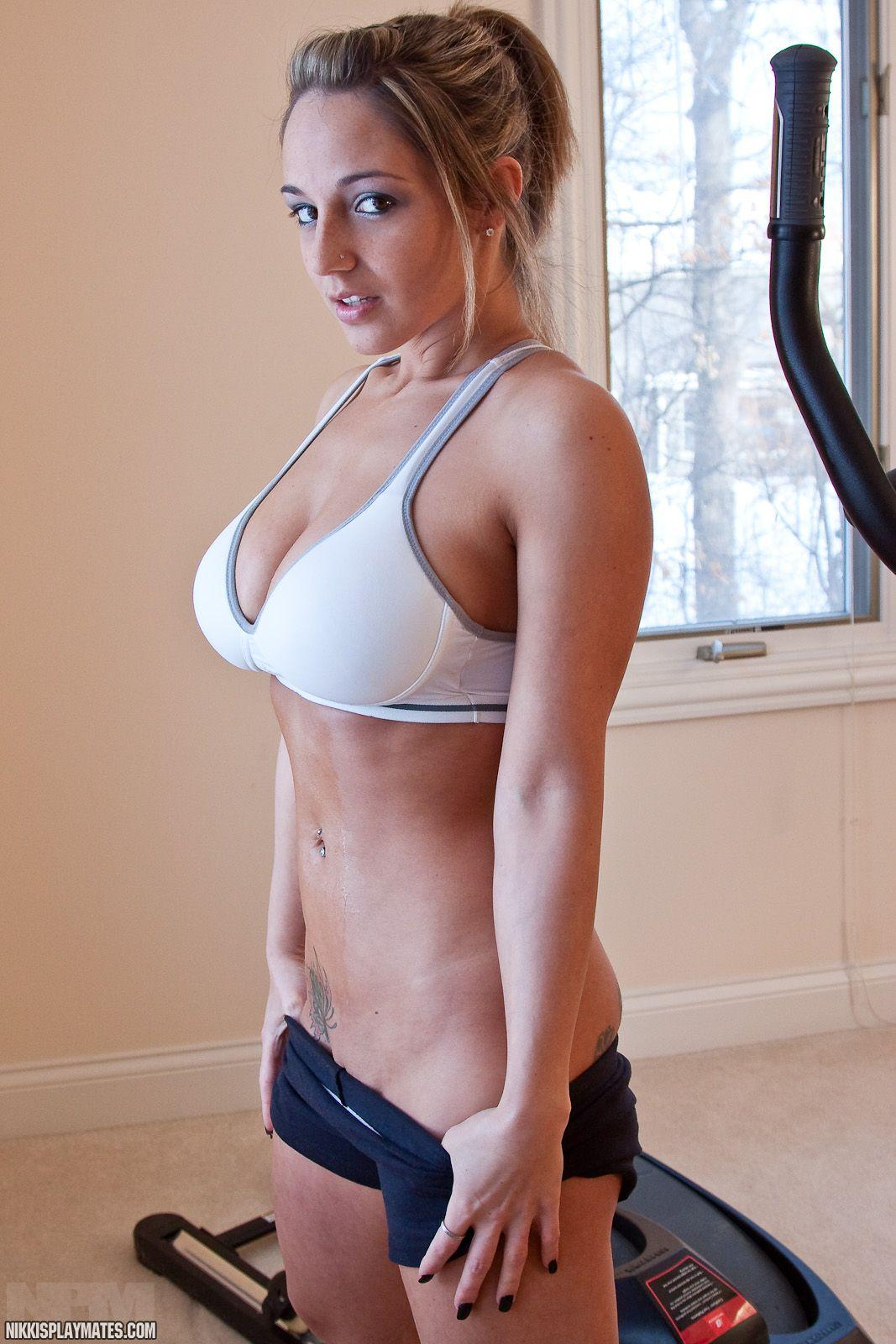 Pictures of Nikki Sims getting hot while she works out ...