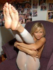 Pictures of Teen Kasia teasing in tights
