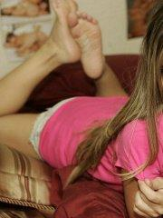 Pictures of teen chick Nicole Sparks waiting for you in bed