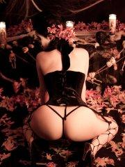 Pictures of Viorotica giving a hot gothic set