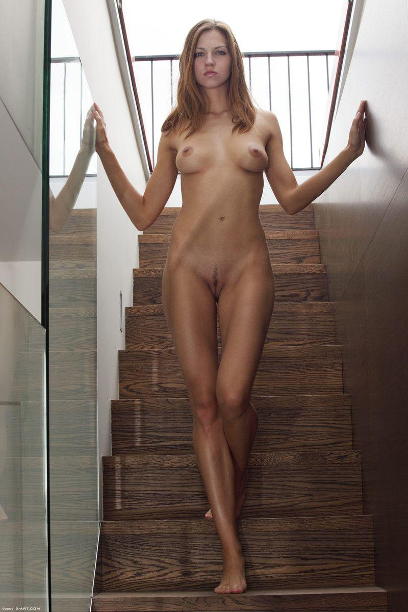Pictures of Eufrat totally naked for you - Coed Cherry