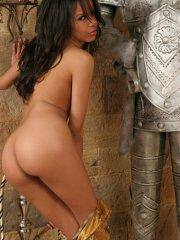 Pictures of Zeina Heart getting naked with a knight